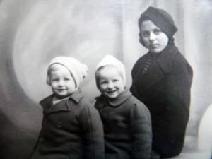 Niania  i  rodzeństwo  Zacharek 1938-1939