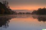 Wiosło Duże - jeziorko w dolinie Wisły - o wschodzie słońca.